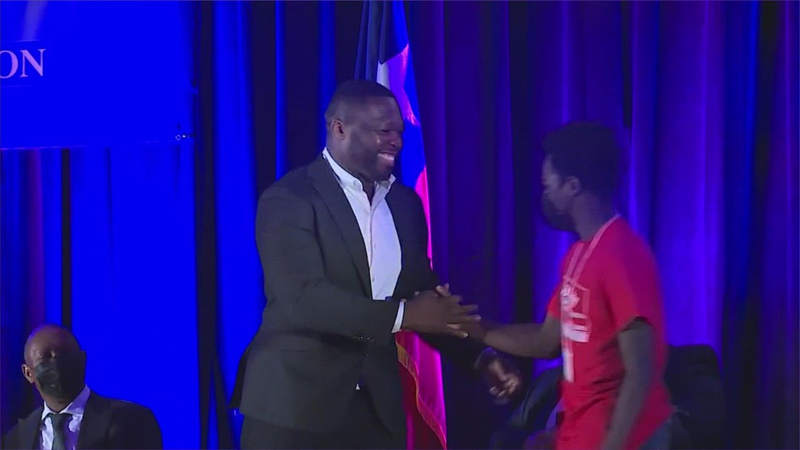 50 Cent helping Houston-area high school students become entrepreneurs