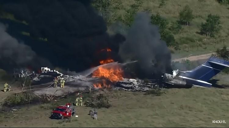 'I felt the explosion' | Construction worker describes scene of fiery plane crash in Waller County
