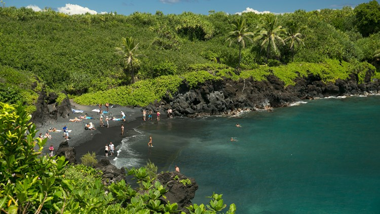 Maui travel industry buckling under Hawaii tourist boom, mayor says