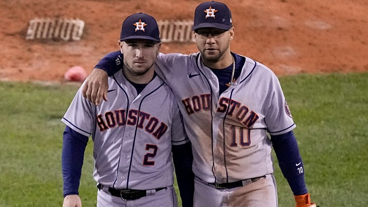 Astros wake up for 7 in 9th, beat Boston 9-2 to tie ALCS 2-2
