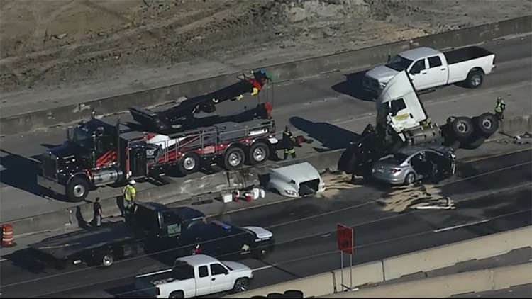 Crash on Gulf Freeway backed up traffic in both directions at Nasa Road 1