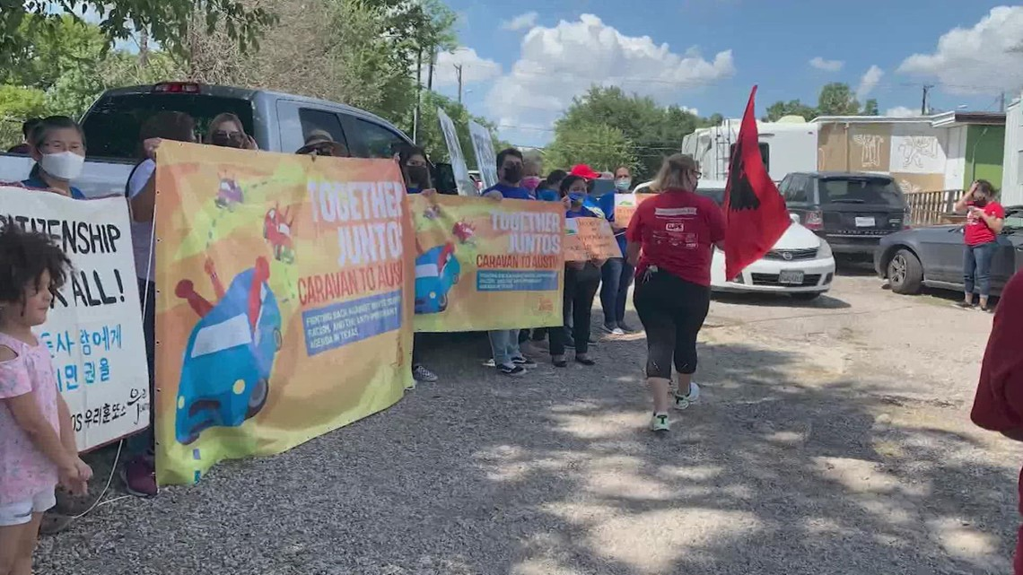 Houstonians caravan to Austin to fight for immigrant rights