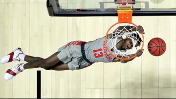 Houston gets comfortable in NCAA tourney, routs Georgia State