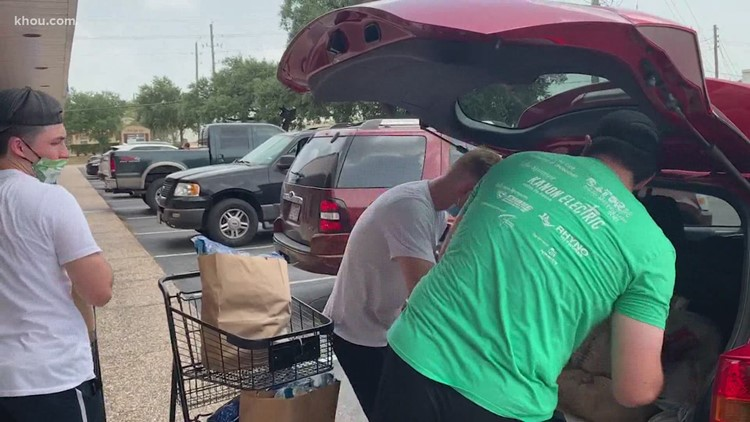 Have car, can help: Nonprofit created to rescue people during Hurricane Harvey delivers food to neighbors amid COVID-19