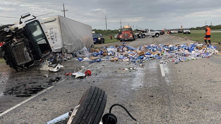 Beer scattered across highway after accident involving a tractor-trailer in Aransas Pass