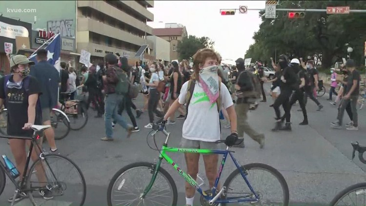 Protests continue in Downtown Austin, week after deadly shooting