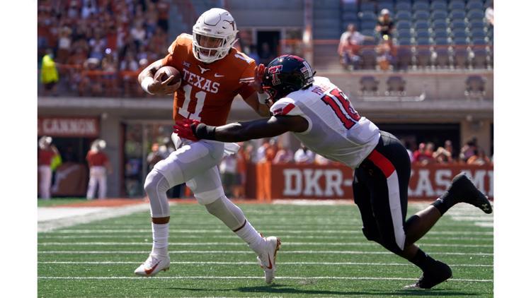 Texas Longhorns defeat Texas Tech Red Raiders, 70-35