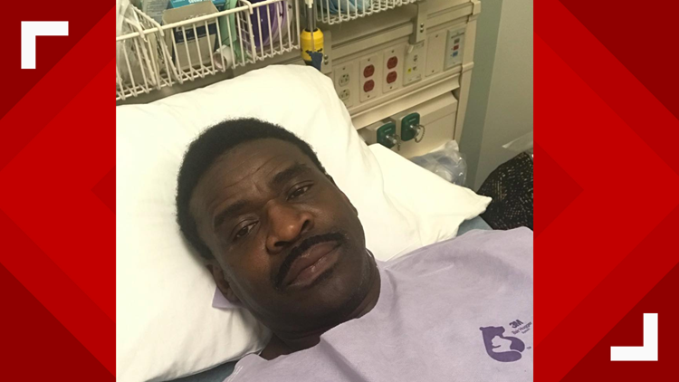 Michael Irvin posts photo from hospital, asks for prayers