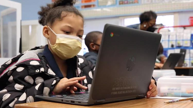 Texas school districts struggle to reach, help homeless students during pandemic