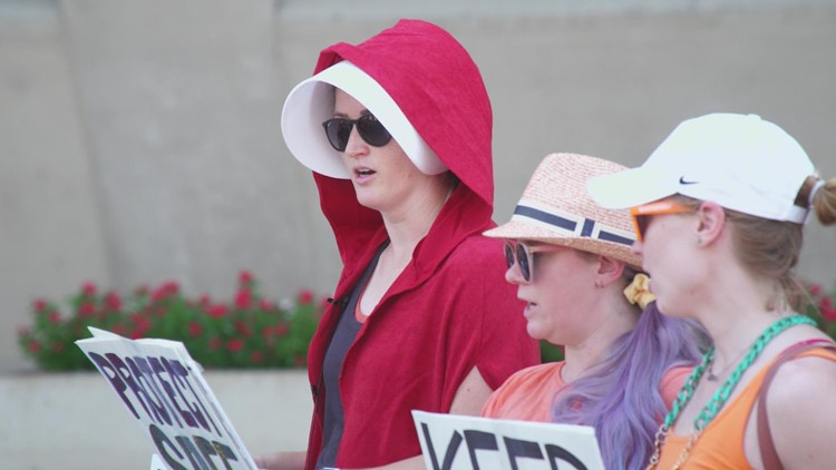 'Handmaid's Tale'-themed protest held as Texas 'heartbeat' abortion law takes effect
