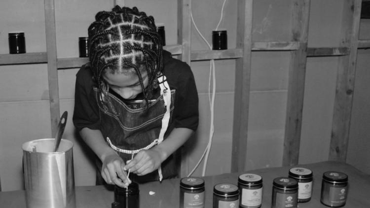 North Texas 12-year-old starts candle business hoping to 'calm the world' during this tough time