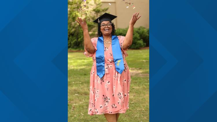 Georgia mother of 2 gets college degree after 30 years