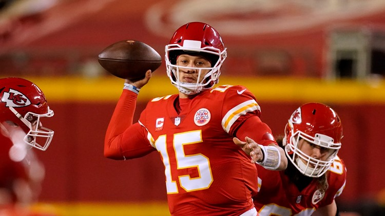 Reports: Chiefs quarterback Patrick Mahomes expected to have surgery for turf toe