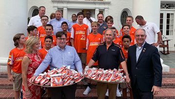Little League World Champs surprised with sold-out Popeyes' chicken sandwich