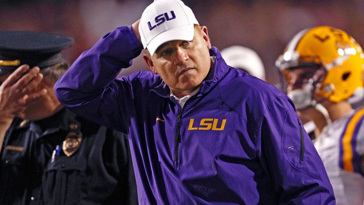 Attorney: LSU acted as 'crime syndicate' to cover up Les Miles' alleged sexual harassment, racist comments