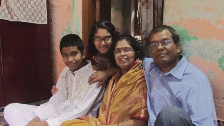 Kaustov Chakrabarti and family